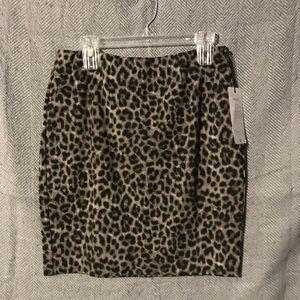 Adorable print pencil skirt!